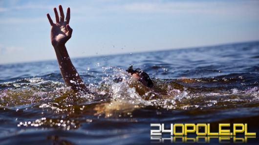 Bezpieczeństwo nad wodą. Co robić, gdy ktoś się topi?
