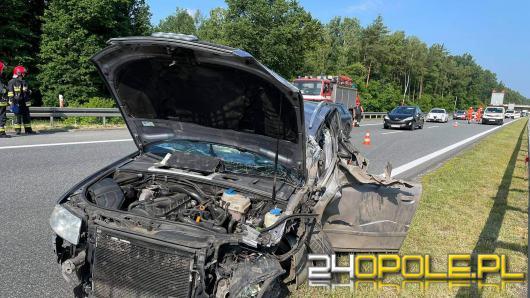 Zderzenie osobówki z autem ciężarowym na opolskim odcinku A4