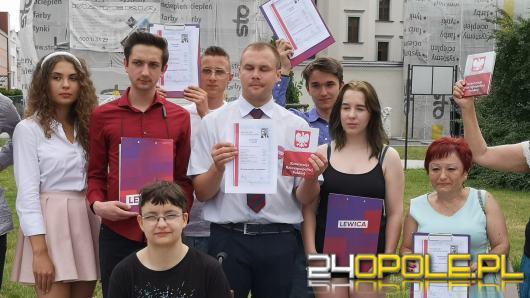 """Lewica wystawiła """"świadectwo"""" ministrowi edukacji. Homofobia, język nienawiści i indoktrynacja"""