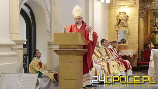 Polski episkopat o pedofilii w Kościele. Prymas prosi o przebaczenie