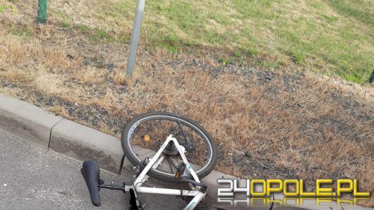 Potrącenie rowerzysty w Namysłowie. Ciężko ranny mężczyzna trafił do szpitala