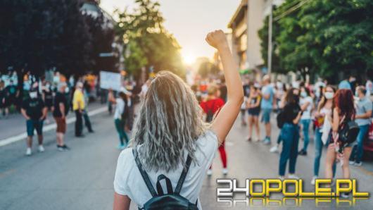 Czy Polacy wyjdą na ulice jak Francuzi? Protesty po zapowiedziach rządu