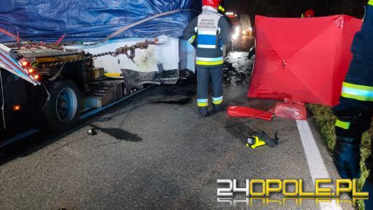 Tragiczny wypadek w powiecie kluczborskim. Kierowca Volkswagena zginął na miejscu