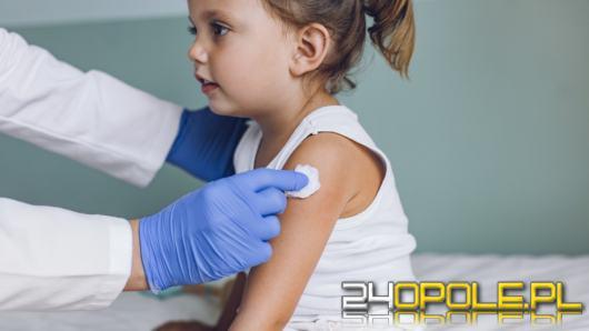 Lekarze mają raportować na antyszczepionkowców. Rząd zaostrza działania