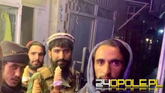 Tak się bawi, tak się bawi Afganistan. Talibowie na trampolinie