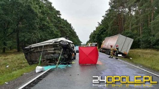 Policja przegapiła zwłoki ofiary wypadku. Są konsekwencje