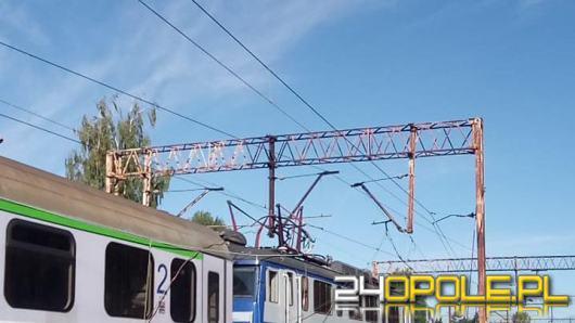 Zerwana trakcja kolejowa na trasie Kędzierzyn-Koźle - Raciborz