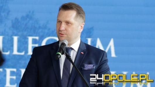 Cenzurka dla Czarnka na początek roku szkolnego. Polacy ocenili ministra