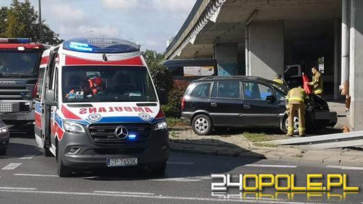 Śmiertelny wypadek na rondzie w Opolu. Nie żyje 70-letni kierowca