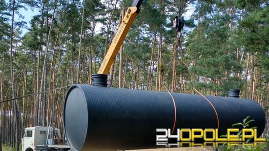 Na terenie leśnictwa Zawada zakopano zbiornik do czerpania wody
