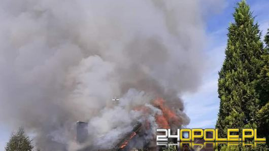 13 zastępów straży gasiło pożar domu w Zdzieszowicach