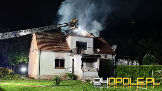 Wybuch gazu w domu jednorodzinnym. Poparzony został lokator