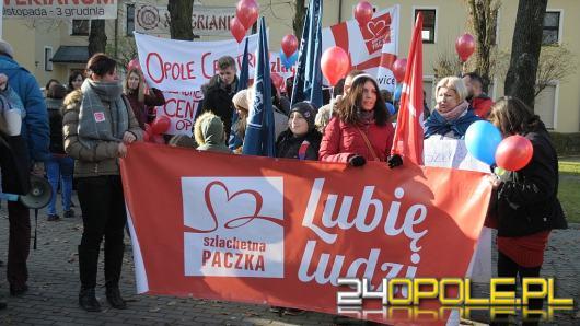 Szlachetna Paczka i Akademia Przyszłości pilnie poszukują wolontariuszy. Potrzeba 300 osób!