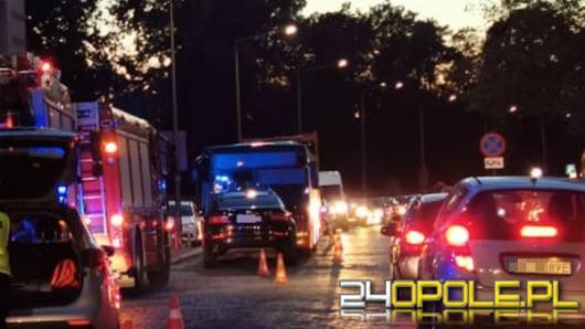 Zderzenie czołowe BMW i autobusu na Korfantego w Opolu