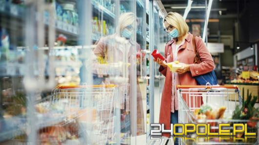 Kolejne sieci chcą skorzystać z ostatniej szansy i otwierają sklepy w niedziele