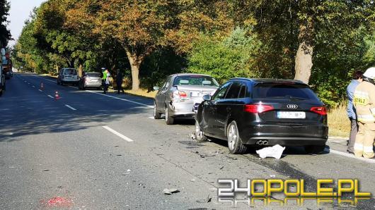 DK 94 zablokowana po zderzeniu 4 samochodów w pobliżu Izbicka