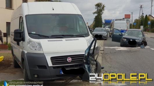 Kobieta podróżująca z niemowlakiem zasnęła za kierownicą. Zderzyła się z busem