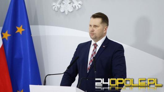 """Są bardzo podatni na manipulacje"""". Minister Czarnek nauczy historii po nowemu"""