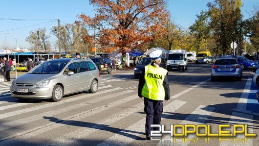 Policjanci przypominają o zachowaniu bezpieczeństwa podczas święta zmarłych